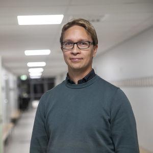 Minna Canthin koulun rehtori Jani Turunen