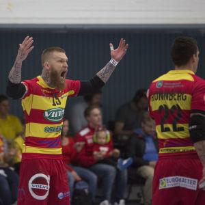 Teemu Tamminen och Nico Rönnberg hör till Cocks profiler.