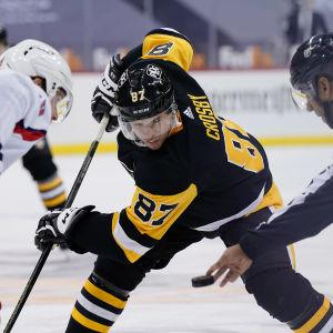 Sidney Crosbys förstakedja med Jake Guentzel och Bryan Rust fungerar.