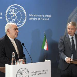 Irans utrikesminister Mohammad Javad Zarif gav en presskonferens med Finlands utrikesminister Pekka Haavisto under ett besök i Finland den 19 augusti 2019.