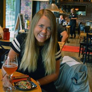 Heidi Pirtelä i Rafael´s Steakhouse.
