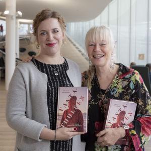 Kuikka Ranta ja Jaana Kanninen , Vastatuuleen kirja , oodi kirjastossa