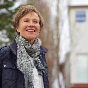 Porträttbild av Hanna-Mari Sarlin.