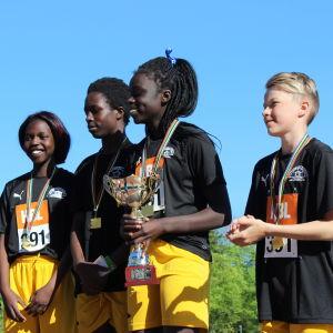 Elias Pått, Josphina Toto, Salah Ibrahim, Ruth Mobark och Shaker Fadul från Yttermark skola vann 5 x 80 m mixed för lågstadier, Stafettkarnevalen 2018.