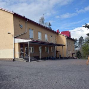 Virkby skola i Lojo.
