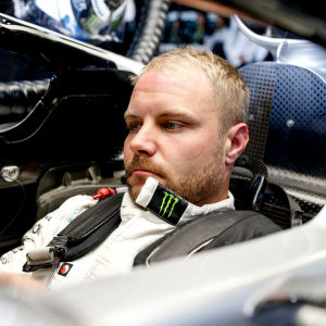 Valtteri Bottas sitter i sin Mercedes