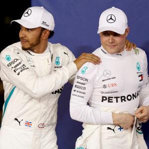 Lewis Hamilton och Valtteri Bottas är stallkamrater vid Mercedes.