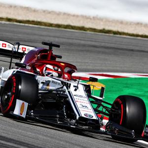 Kimi Räikkönen på banan i Barcelona.