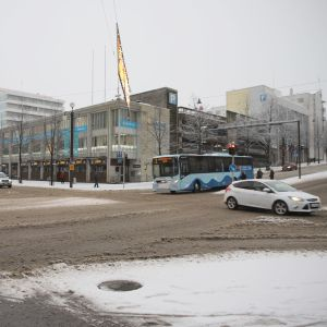 Vesijärvenkadun ja Aleksanterinakadun risteys Lahden keskustassa.