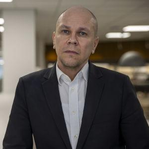 Rokotetutkimuskeskuksen johtaja Mika Rämet