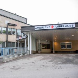 Ambulansingången vid Raseborgs sjukhus