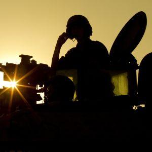Israeliskt pansarfordon vid gränsen mot Gazaremsan (15.11.2012).