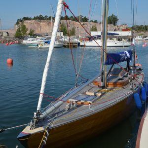 En båt som tävlar i regattan.