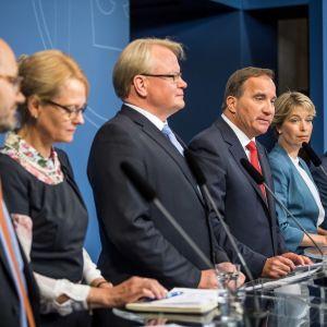 Löfvens presskonferens om regeringens ombildning 27.7.2017.