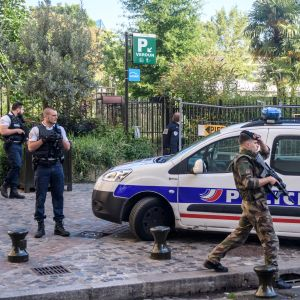 Sex franska soldater blev avsiktligt påkörda i Parisförorten Levallois-Perret den 9 augusti 2017.