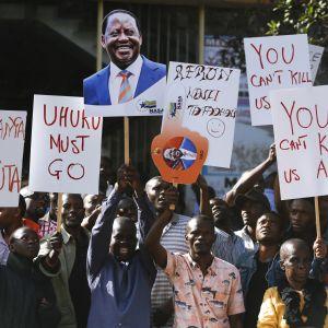 Oppositionsledaren Raila Odingas anhängare har protesterat mot valresultatet i flera veckor