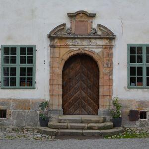 Ingången till Villnäs slott.
