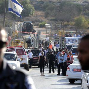 Polis vrakte judiska bosattare i hebron