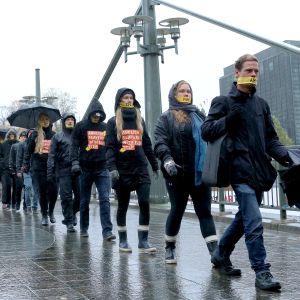 Demonstrationståg Walk for freedom mot slaveri i Åbo, 14 oktober 2017.