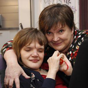 Heli Mustonen ja hänen tyttärensä Hanna.