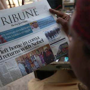 Första sidan på en pakistansk dagstidning.
