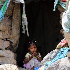 Barn i ett temporärt läger i Jemen den 25 augusti 2018