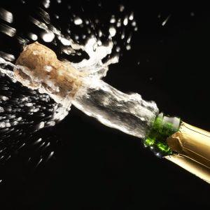 Flygande champagnekork.