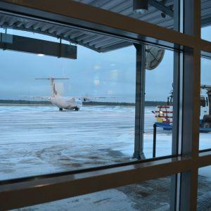 Flygbolaget Norras plan är klart för avgång från Karleby-Jakobstad flygplats