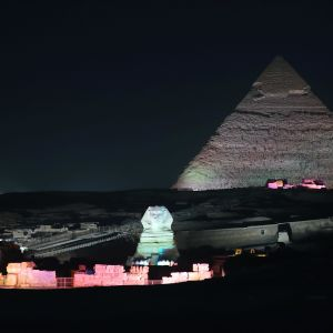 Pyramiderna i Giza nära Kairo hör till de mest populära turistmålen i Egypten. Säkerheten har skärpts i området för att locka tillbaka fler turister