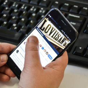 Loviisan Sanomat facebook-sida på mobil