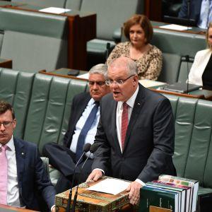 Australiens konservativa premiärminister Scott Morrison informerade parlamentet om sofistikerade cyberattacker mot parlamentet och politiska partier