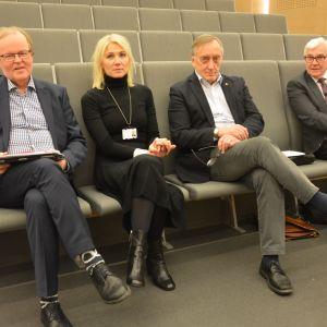 Ledningen för Vasa sjukvårdsdistrikt.