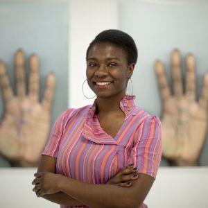 Fotokonstnären Diana Agunbiade-Kolawole ställer ut på Hanaholemns kulturcentrum.