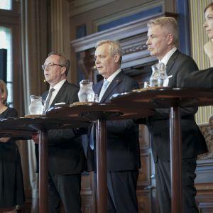 Antti Rinteen uusi hallitus infossa  Säätytalolla