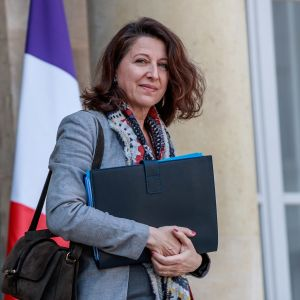 Frankrikes hälsominister Agnès Buzyn på väg ut ur ett möte i april 2019.