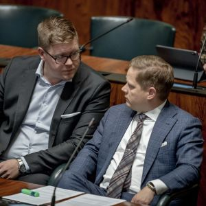 Kansanedustajat Antti Lindtman ja Markus Lohi täysistunnossa 11.9.2019