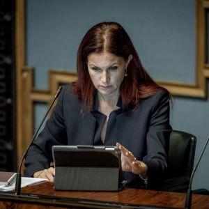 Kansanedustaja Pihla Keto-Huovinen, täysistunnossa 11.9.2019
