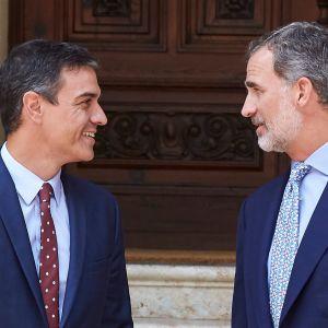 Spaniens premiärminister Pedro Sanchez (t.v) och Spaniens kung Felipe VI och 7.8.2019