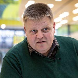 Timo Lötjönen, entinen kiinteistönvälittäjä, Helsinki
