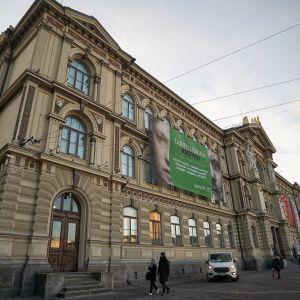 Ateneums fasad i Helsingfors.