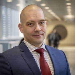Postin uusi toimitusjohtaja Turkka Kuusisto ja hallituksen puheenjohtaja Markku Pohjola.