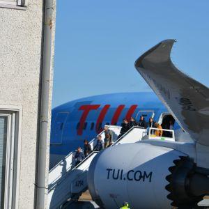Toiseksi viimeinen charterlento Vaasan lentokentälle laskeutui 20.3.20
