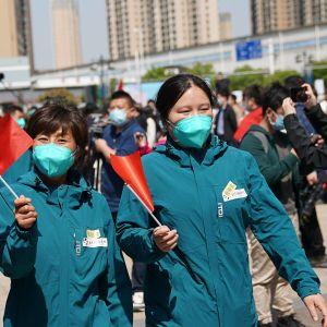 Medicinsk personal som skickades till Wuhan för att kämpa mot pandemin, fick åka hem till Peking när läget normaliserades för ett par veckor sedan.