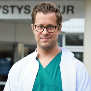 Peijaksen sairaalan lääkäri Kari Tikkinen