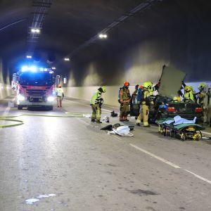 Päijät-Hämeen pelastuslaitos harjoittelee onnettomuustilannetta Liipolan tunnelissa