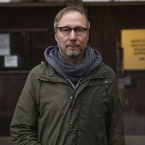 Pertti Hakkarainen, psykologi, Naistenklinikan Seri-tukikeskus, HUS.