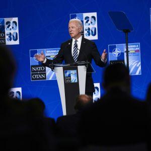 President Joe Bidens presskonferens drog ut på tiden på grund av ett långt bilateralt möte.