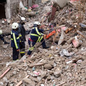 Bild på rasmassor efter jordskalv i Haiti.