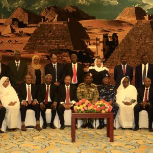 Sudans regering svärs in den 8 september 2019.