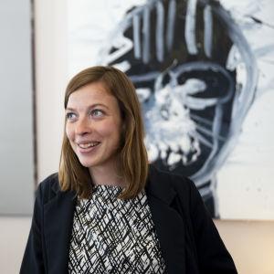 Li Andersson Opetus- ja Kulttuuriministeriön työhuoneellaan elokuussa 2019